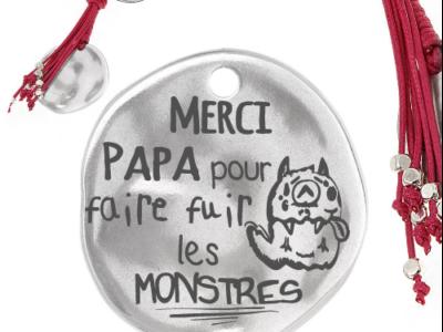 merci papa pour faire fuir les monstres 1 400x300 - Cadeaux personnalisés : Porte-clés merci papa pour faire fuir