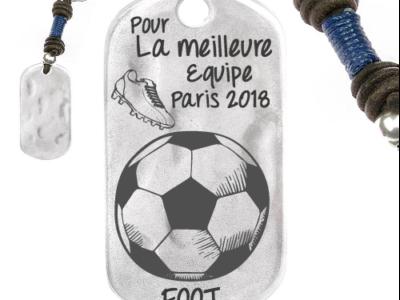Equip de foot 1 400x300 - Cadeaux personnalisés : Porte-clés rectangulaire irrégulier bleu meilleure équipe de foot