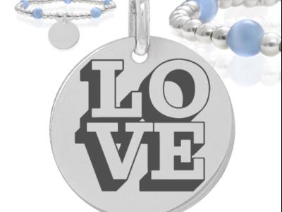 Love 400x300 - Cadeaux personnalisés : Bracelet boules d'argents et boules bleues claires Love (relief)