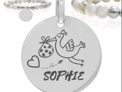 cigogne et prénom 400x300 - Cadeaux personnalisés : Bracelet en nacre et argent cigogne et prénom