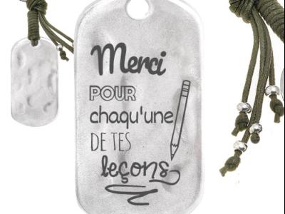 merci pour chacune de tes leçons 1 400x300 - Cadeaux personnalisés : Porte-clés rectangulaire irrégulier merci pour chacune de tes leçons